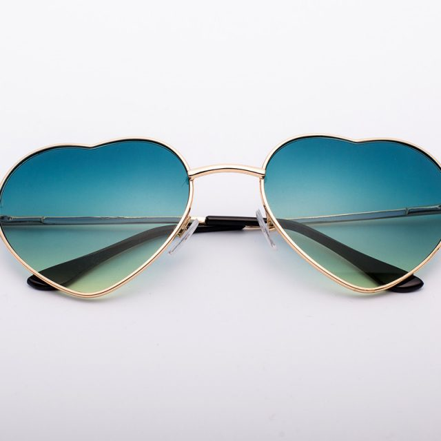 Fashion Colorful Unisex Sunglasses with Heart-Shaped Lenses