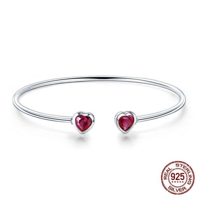 Elegant Women's Sterling Silver Bracelet with Heart-Shaped Pendant